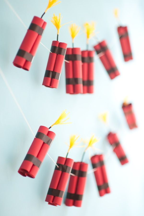 Dynamite garland of paper