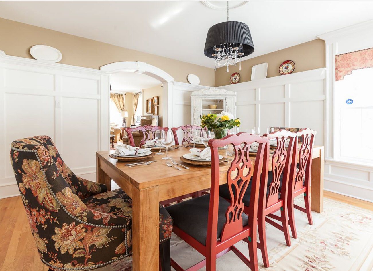 Nice wooden materials in the classic styled dining room in white palette