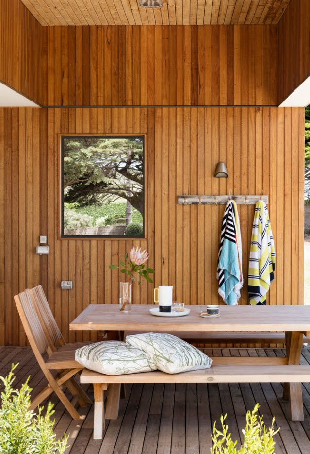 Wood panelling for the summer porch zone