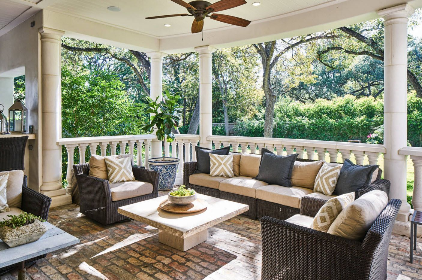 Country House Porch Decoration & Design Ideas. Nice patio in Mediterranean style