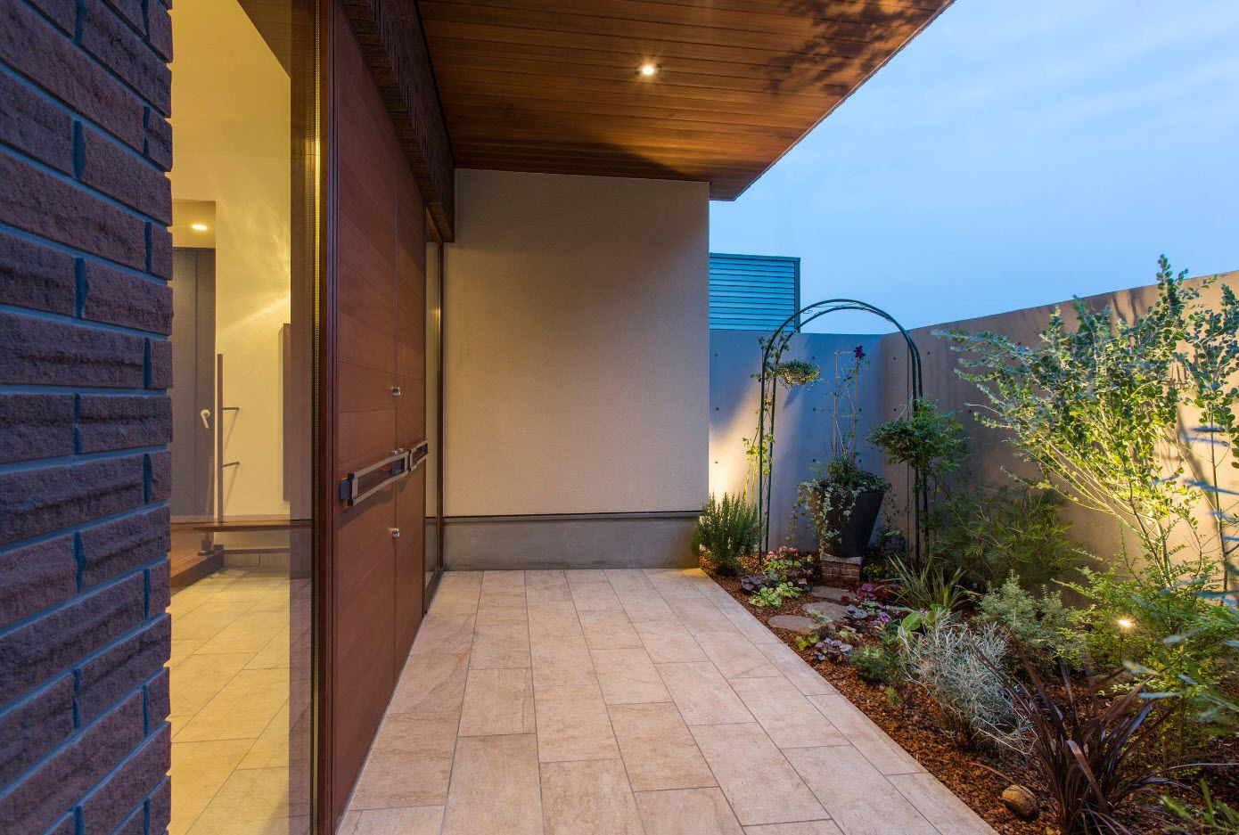 Country House Porch Decoration & Design Ideas. Concreted space in front of the door