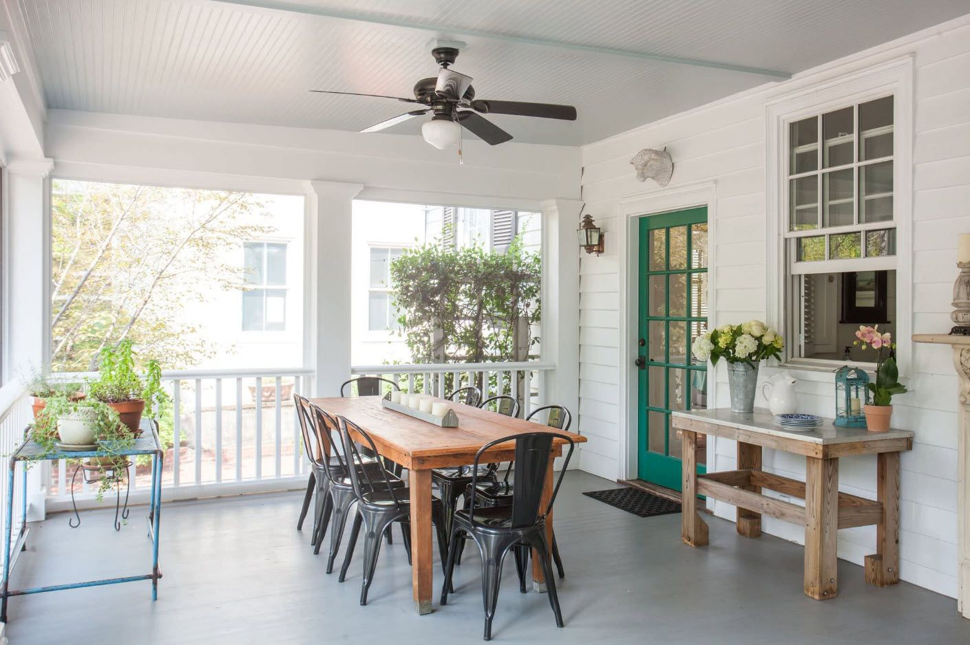 Casual open air space for having parties and meals outside with a fan