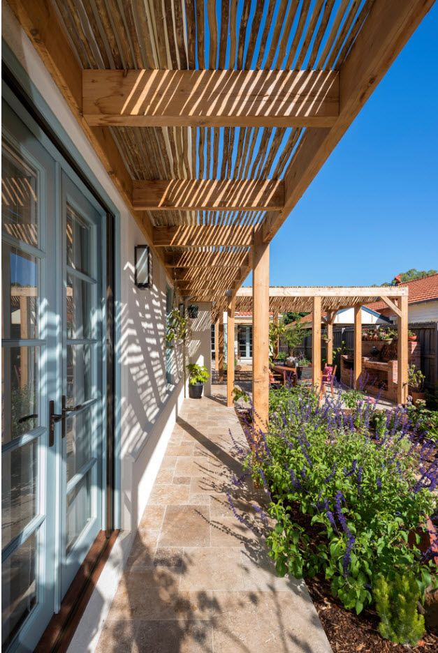 Country House Porch Decoration & Design Ideas. Lattice of the wooden beams to protect gacade from the sunrays