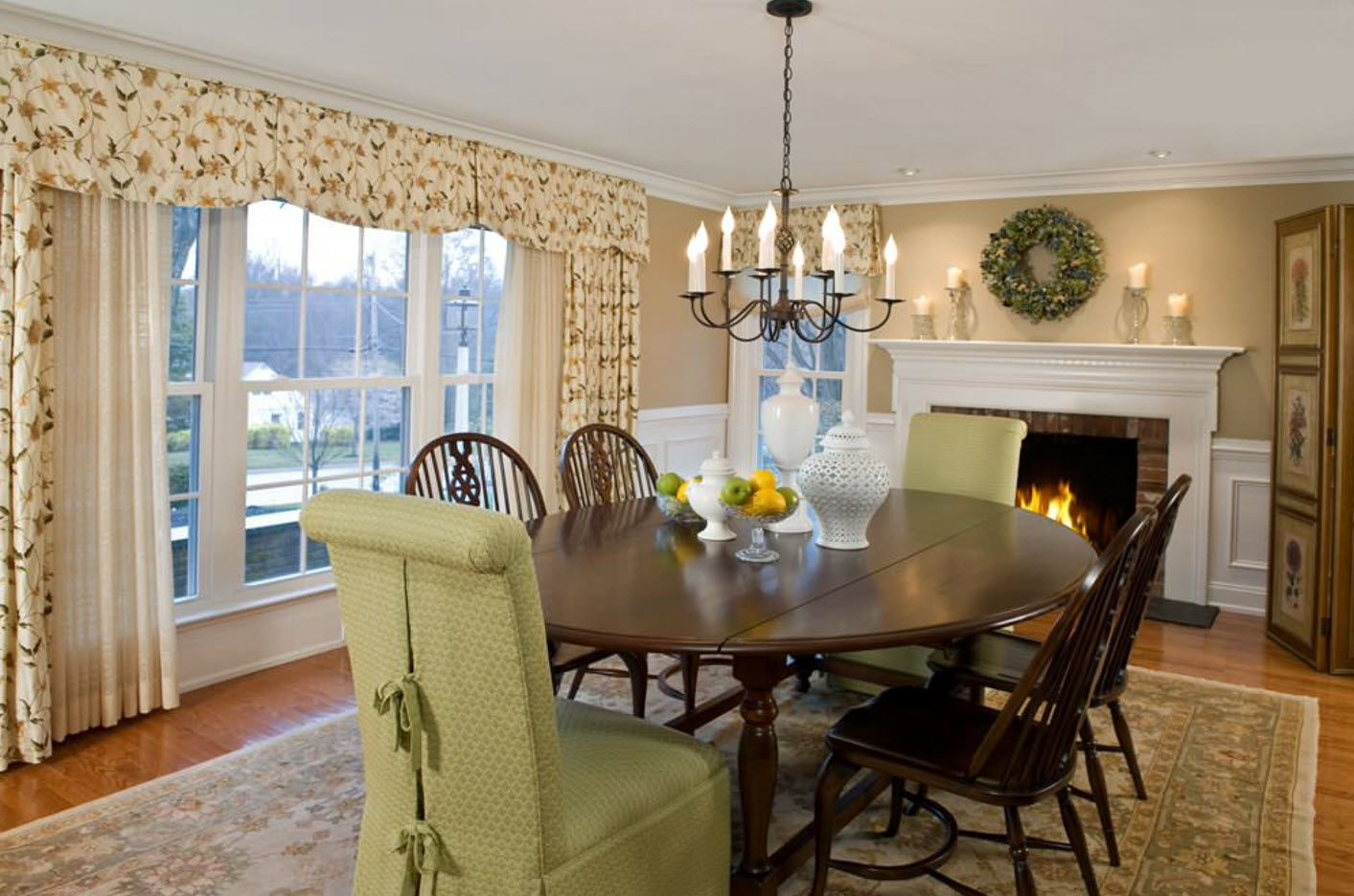 Dining Zone Table and Chairs: Practical and Aesthetic Composition. Classic style with natural color scheme