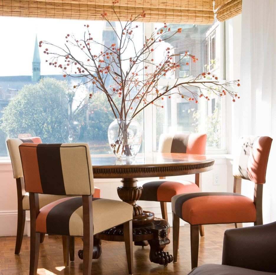 Sakura and roller bamboo blinds in the apparently Oriental styled dining