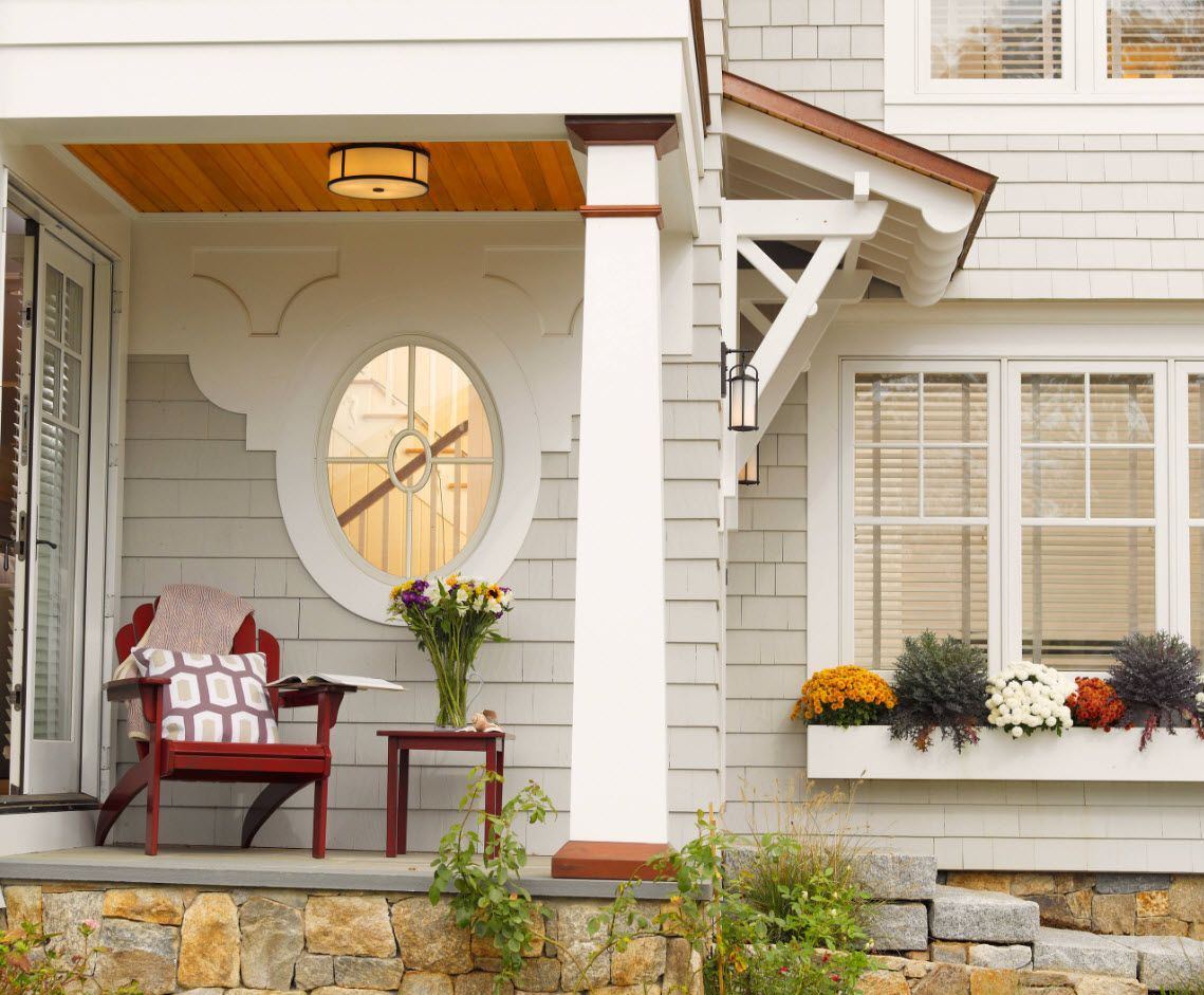Country House Porch Decoration & Design Ideas. Matted white styling of the entrance