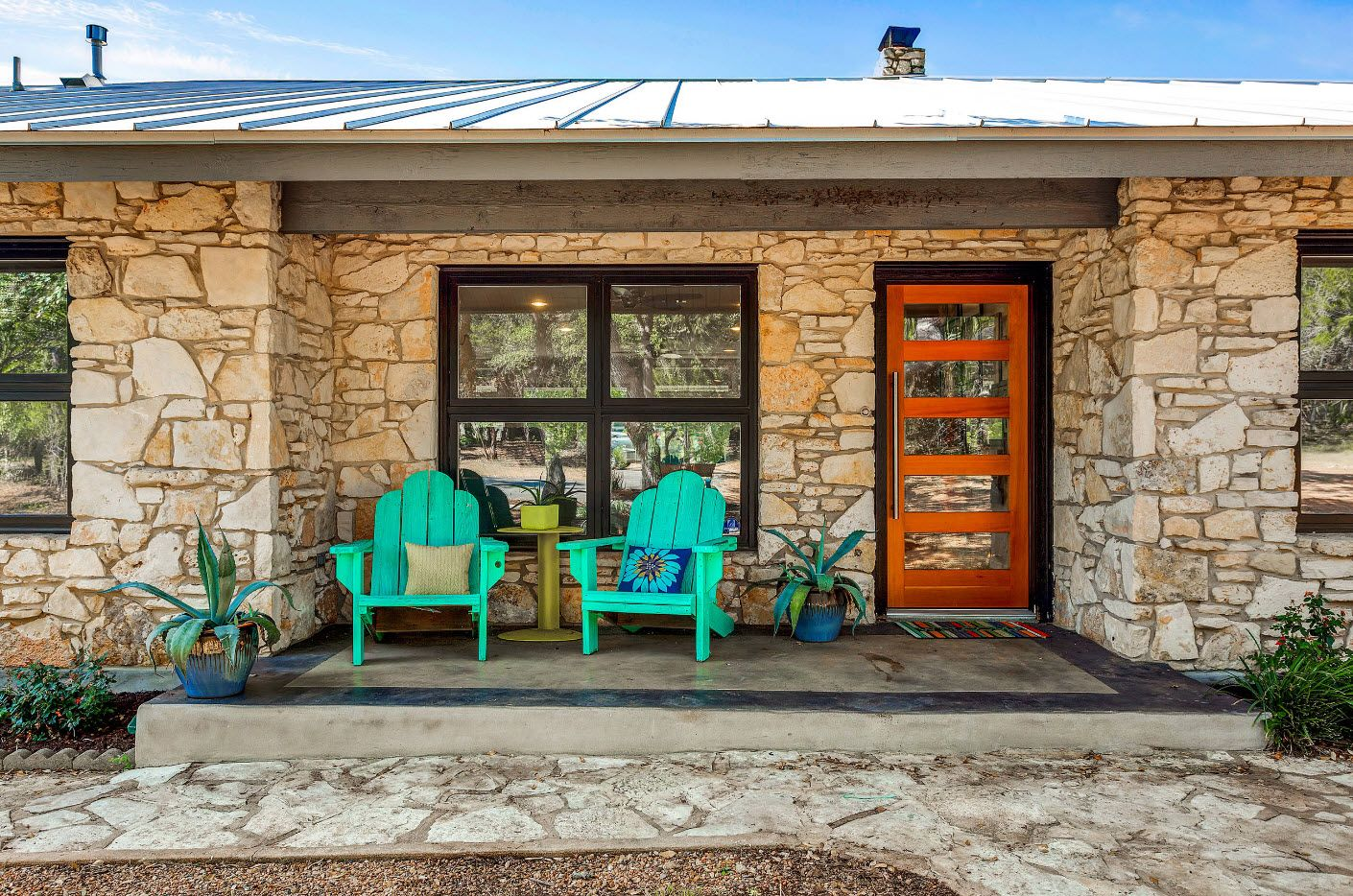 Country House Porch Decoration & Design Ideas. Sand color stone trimming of the facade