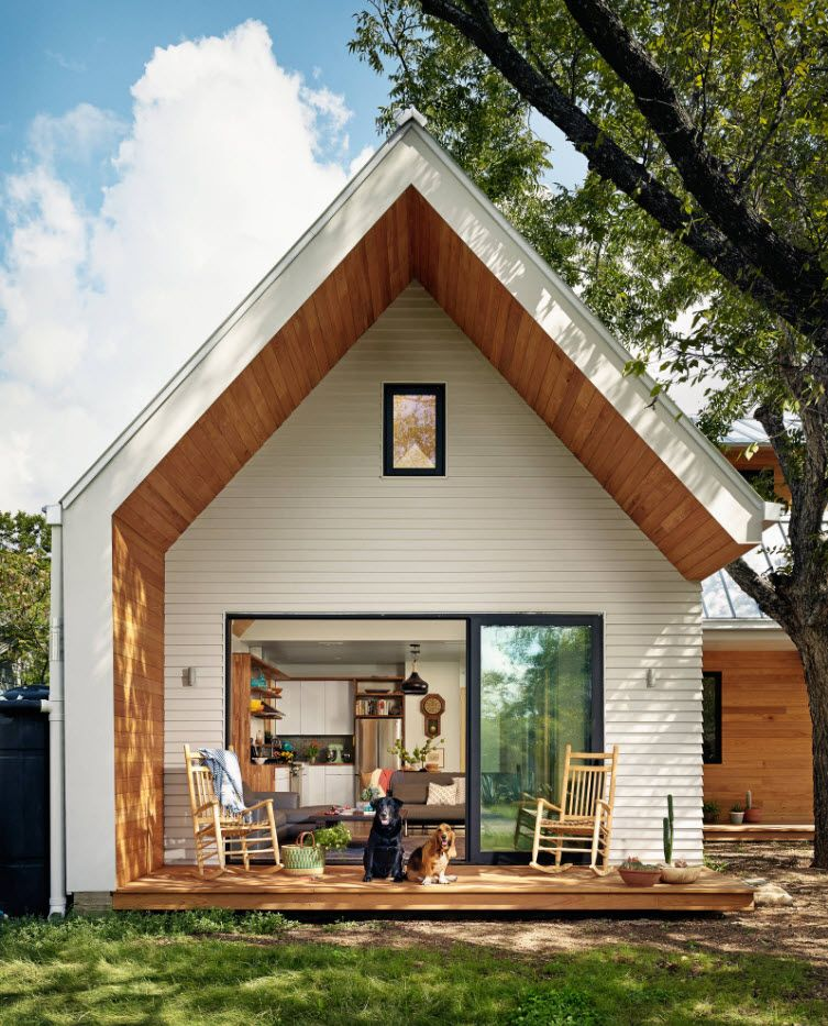 Country House Porch Decoration & Design Ideas. Nice construction of the roof transitional into patio wall