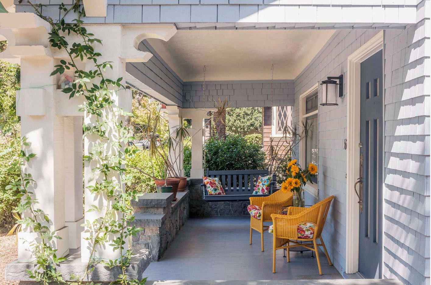 Country House Porch Decoration & Design Ideas. Green wall at the patio