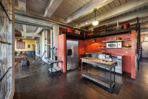 Loft Styled Kitchen. Industrial Motiffs for Comfortable Life
