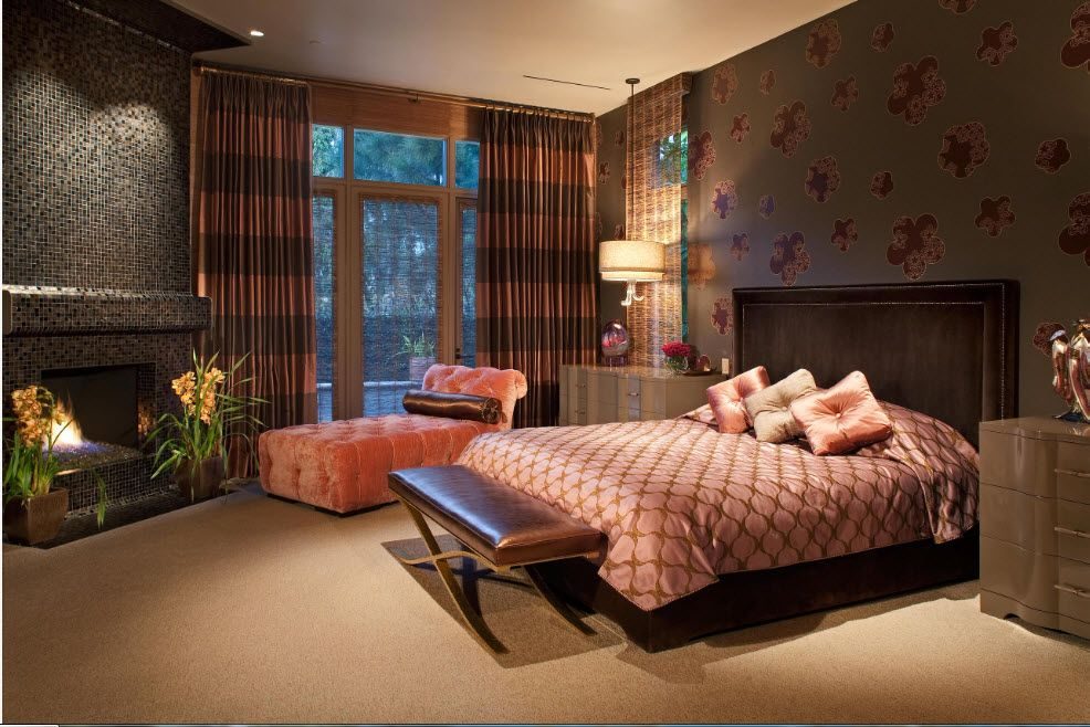 Unusual but successful dark color theme for the Casual bedroom with highlghted bed zone