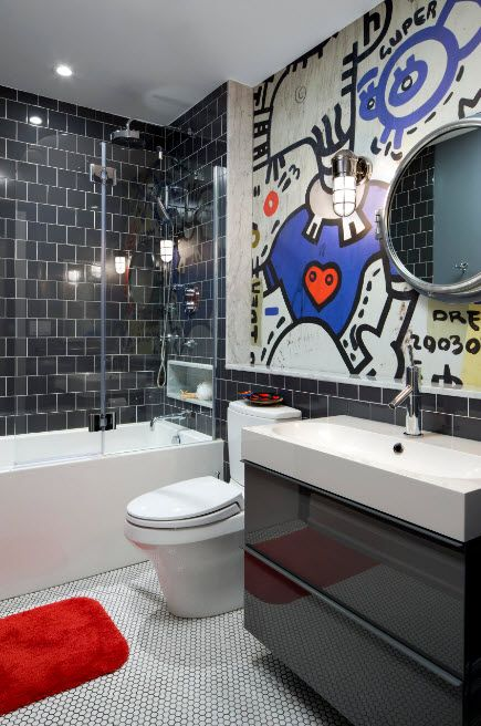 Glass Bathroom Screen. Types, Design, Interior Application. Unusual wall painting