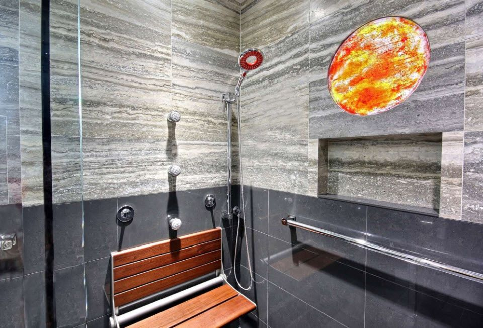 Unsuual two color design in the small functional bathroom