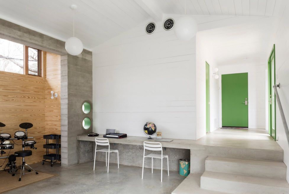 Modern ideas of decorating the free space in the hall