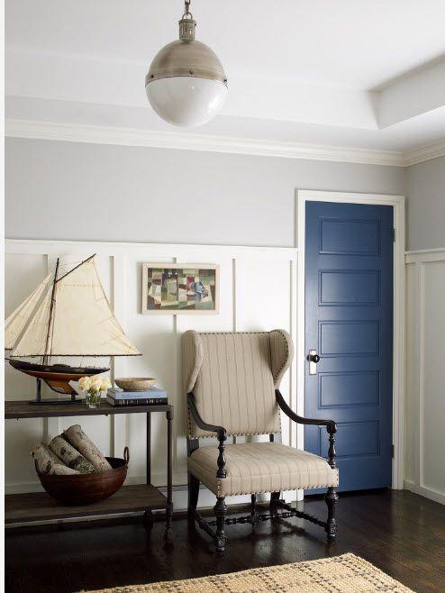 Dark wooden interior doors look noble in the classic interior