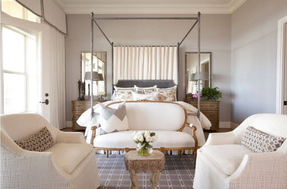Wrought-iron Bed as a Stylish and Functional Interior Element. Yet another example of ceiling-high canopy in Casual style atmosphere