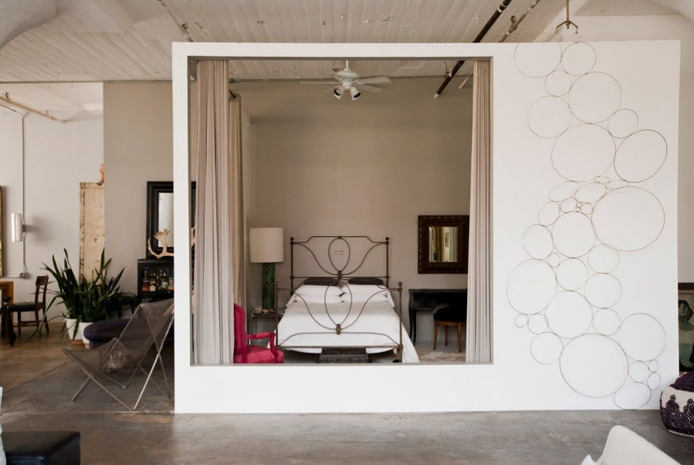 Wrought-iron Bed as a Stylish and Functional Interior Element. As if cabin placement of the bed in the modern space