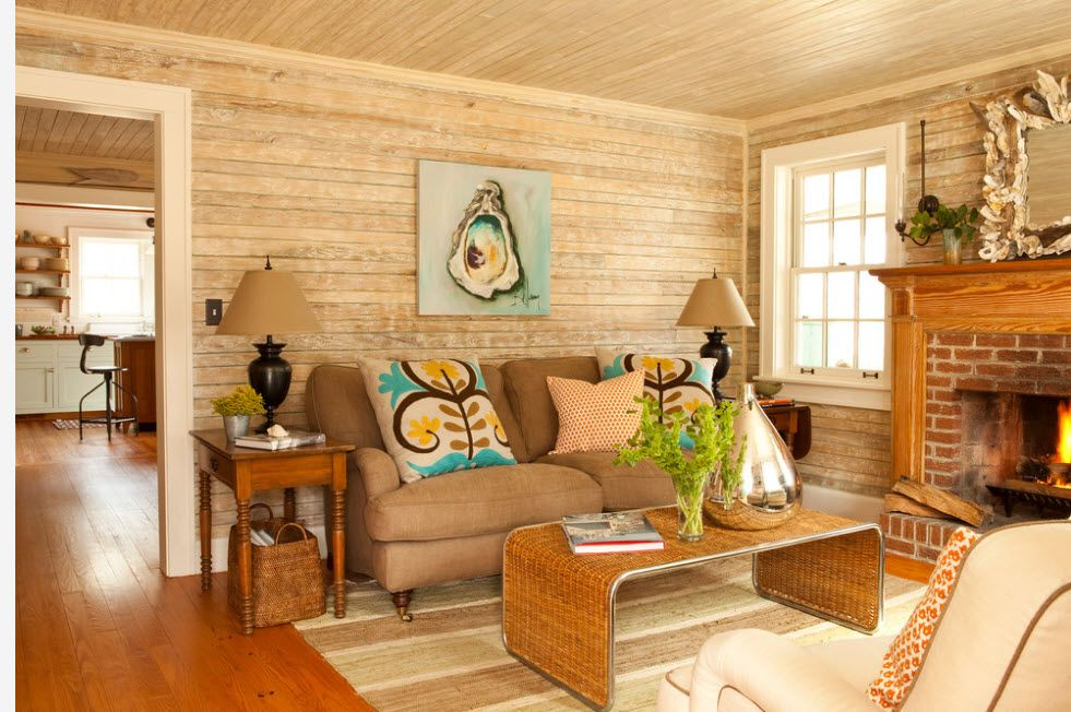 Summer house full of light and decorated with wooden planks