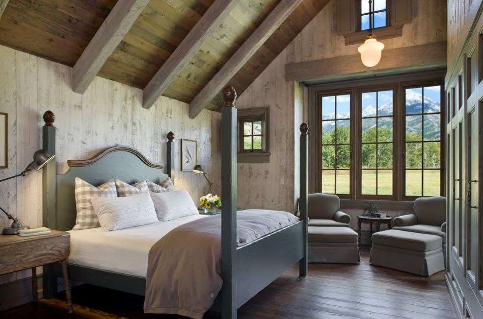 Old English traditions in the spacious master bedroom