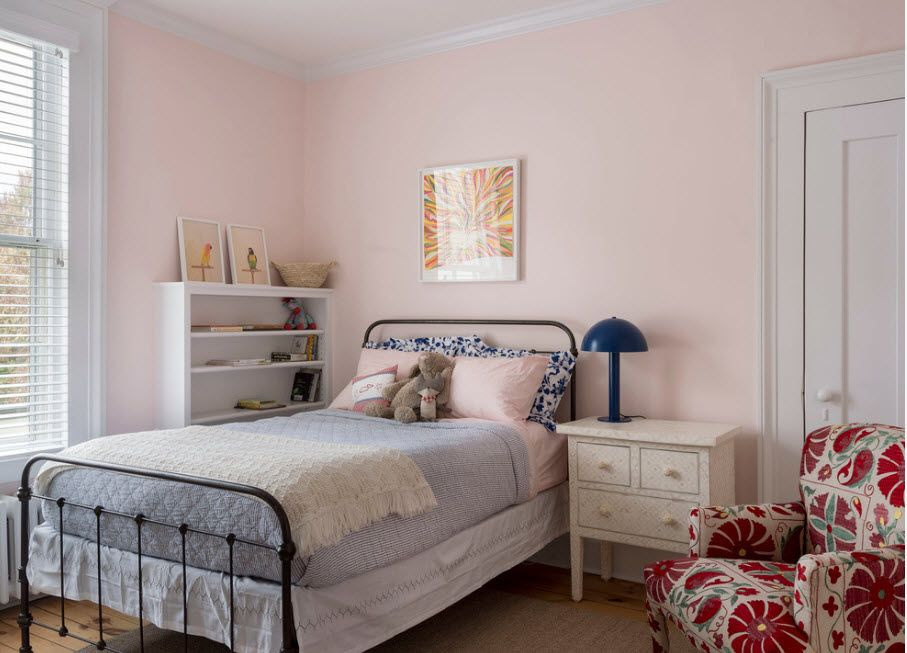Wrought-iron Bed as a Stylish and Functional Interior Element. Modern Casual minimalism in the kids room