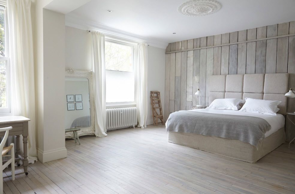 Light color palette for the spacious bedroom