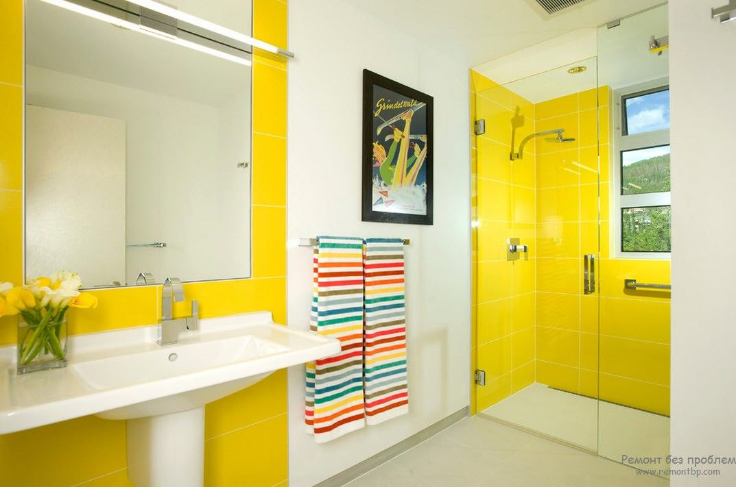 Yellow ceramic tile for the water zones in the bathroom