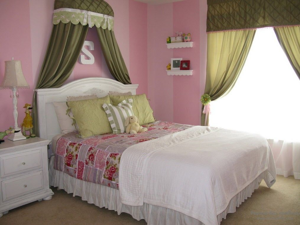 Pink walls and olive curtains for the modern styled girl's room
