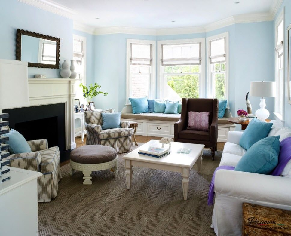 Turquoise Color Interior Decoration. Marine Theme for Your Home. Bay window as one of the symbols of Mediterranean style