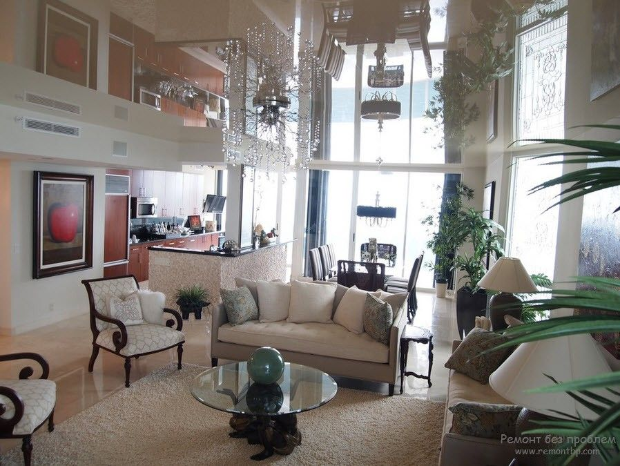10+ Most Effective Ways of Increasing Interior Space. Beige stretching ceiling creates the overwhelming play of natural light