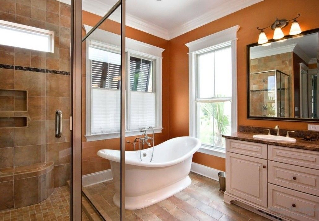 Bright warm color mix in the classic bathroom