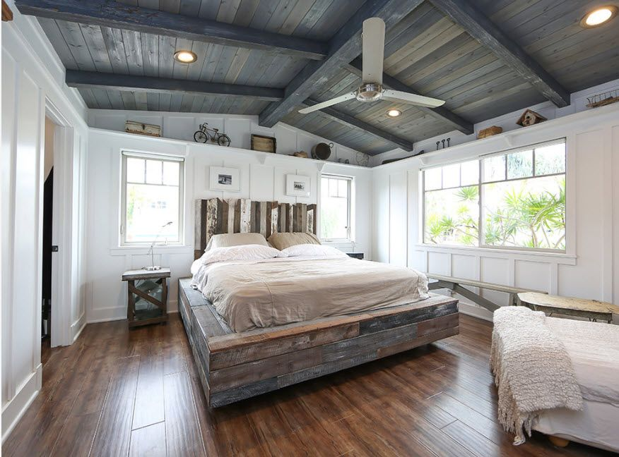 Podium Bed. Luxury or Functional Interior Element? American town style with the fan at the ceiling
