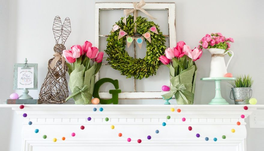How to Decorate your Home with DIY Creative Elements. Natural flowers and greenry installation on the mantelshelf