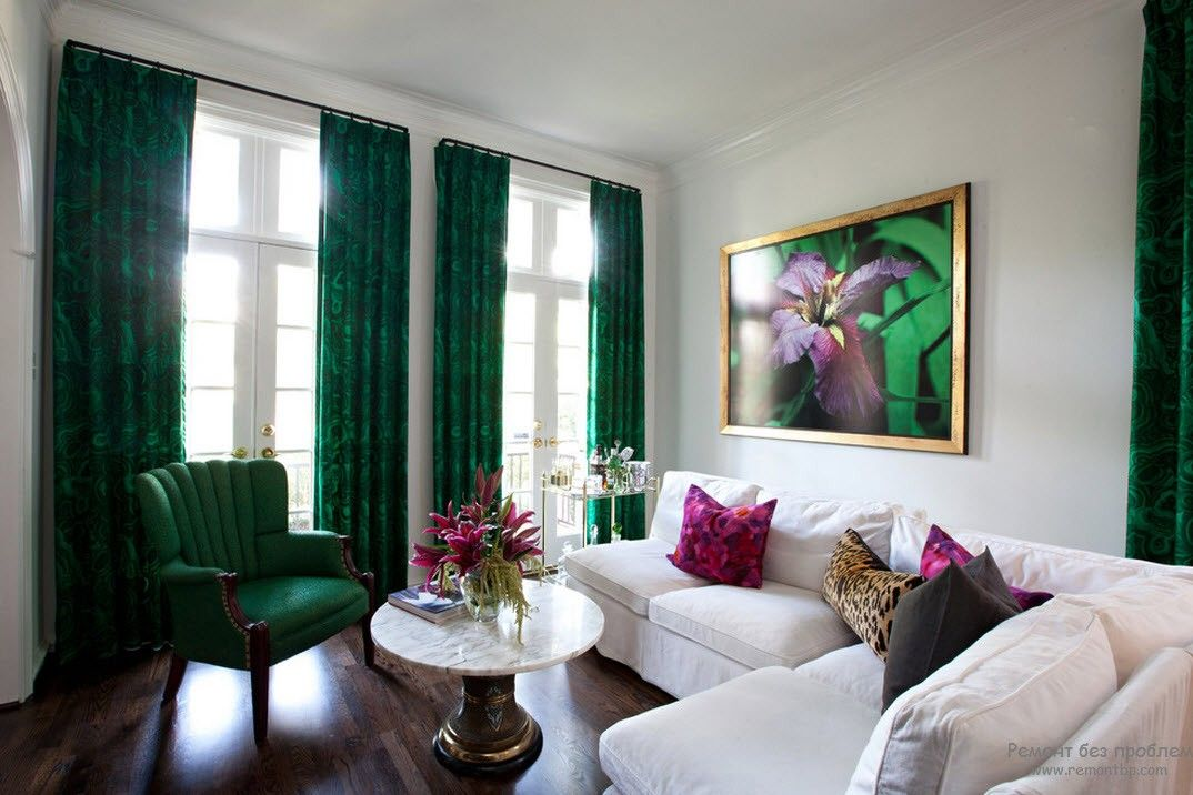 Dartmouth green curtains and armchair are the best complemetary for the Classic styled room living room with big windows