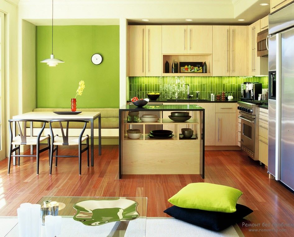 Naturalistic style in the large kitchen with dining zone in green