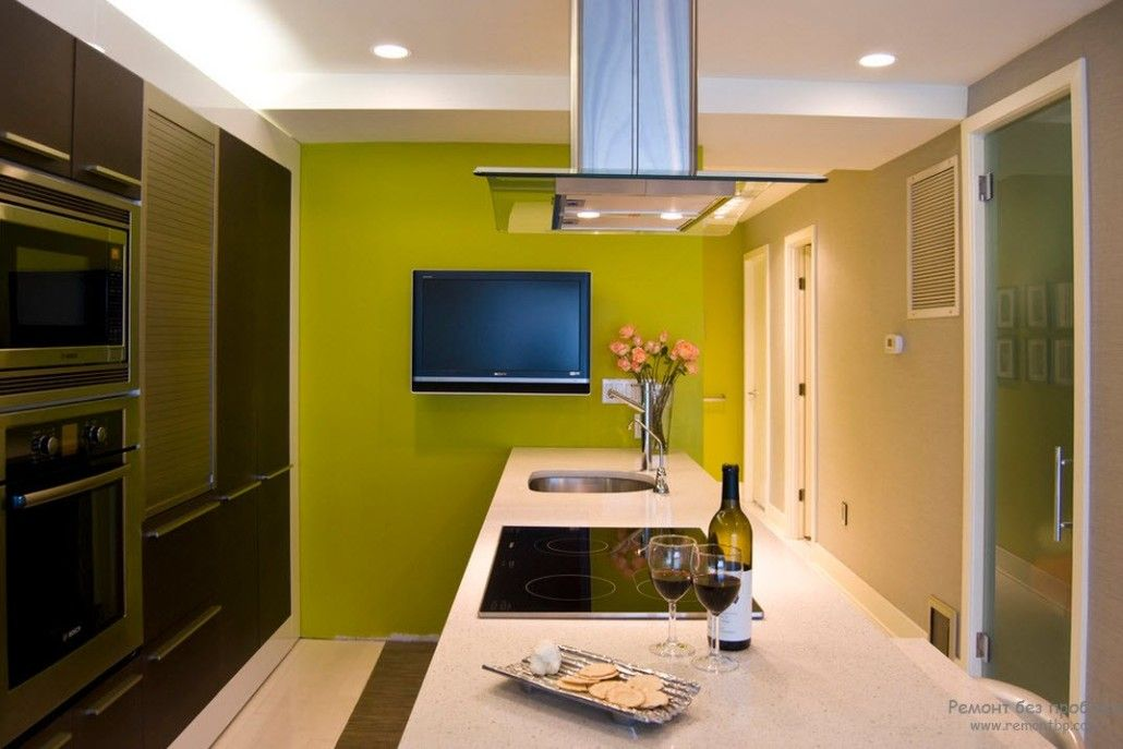 Green Color Interior Decoration Ideas. Bit of Nature at Home. Accentual painted wall in the kitchen