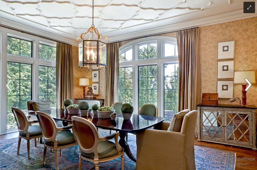 Polyurethane Stucco Interior Finishing & Usage Ideas. Plaster imitation at the royal Classic decorated ceiling in white