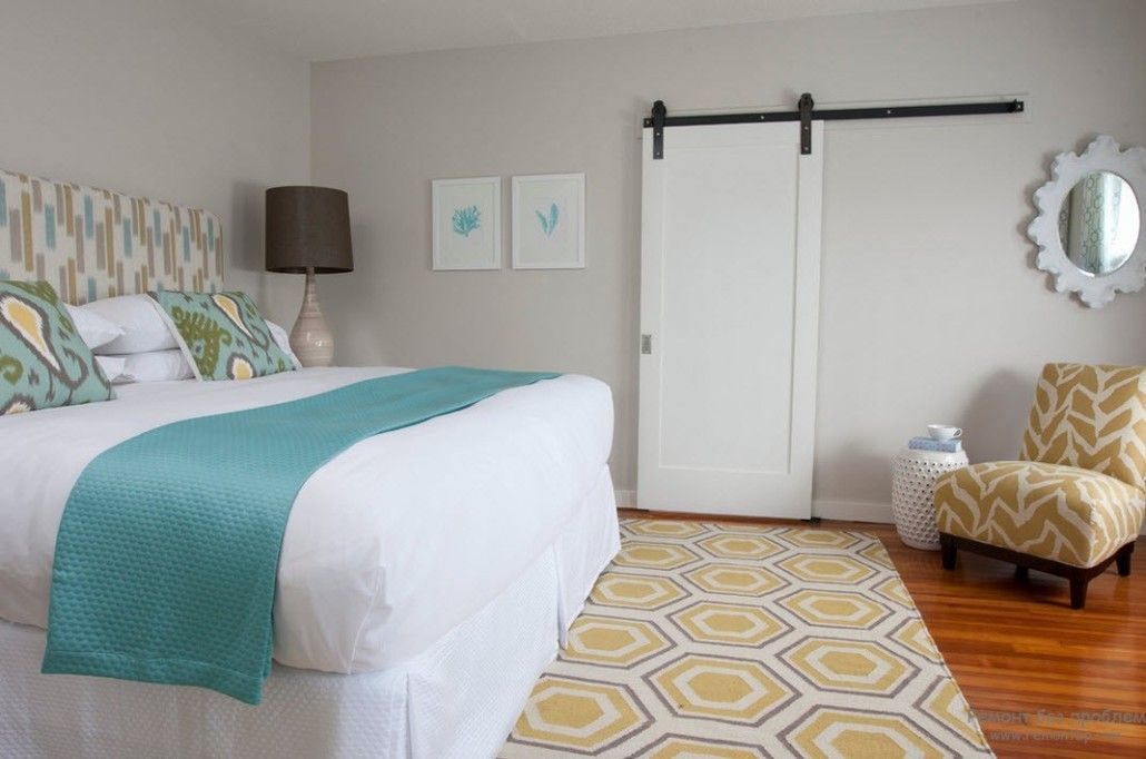 Turquoise Color in Modern Bedroom Interior. Bedding cover in the room with sliding doors