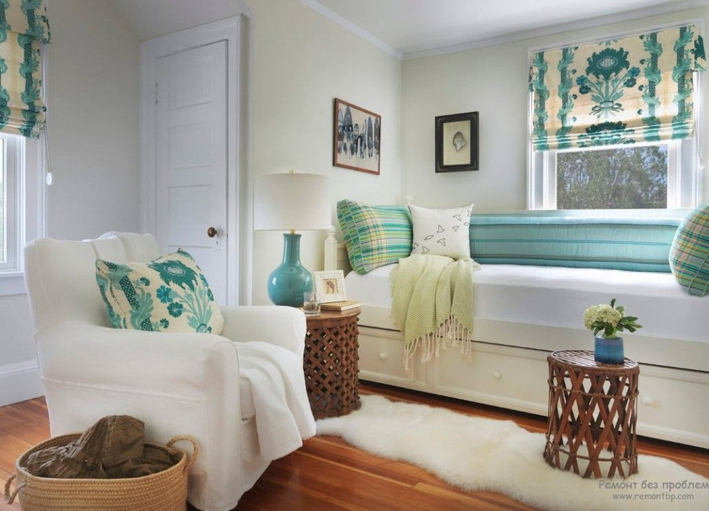 Turquoise accents for the sleeper at the window