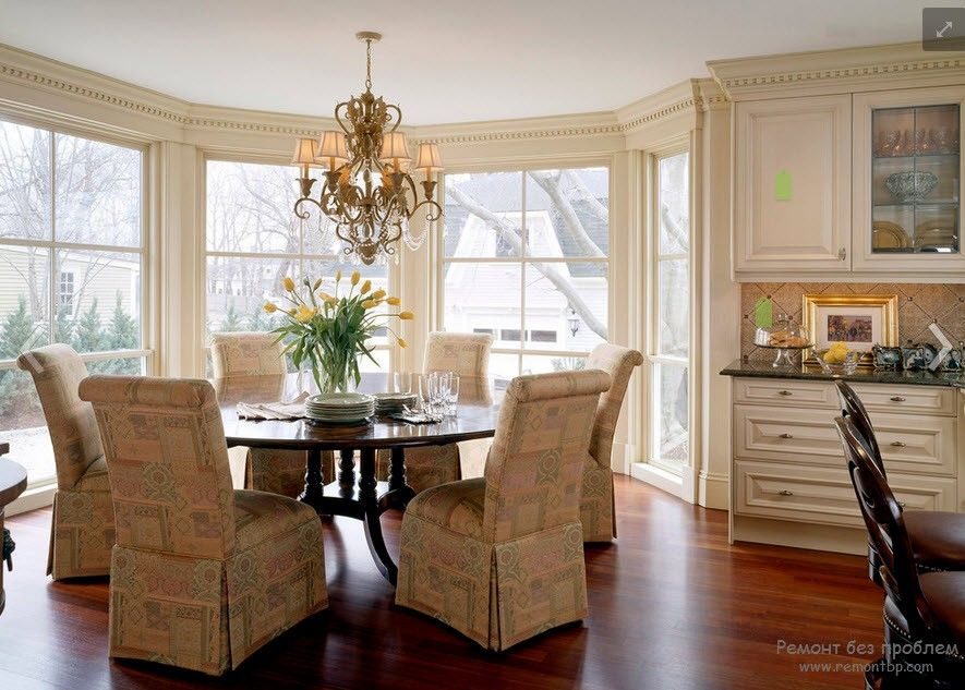 Polyurethane Stucco Interior Finishing & Usage Ideas. Living room with bay window