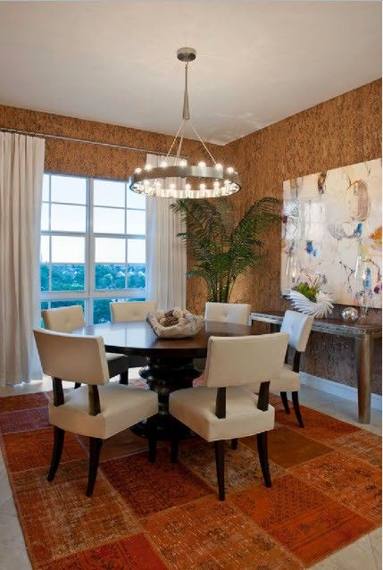 Nice rug and in-tone cork wallpaper decoration of the Classic styled living room