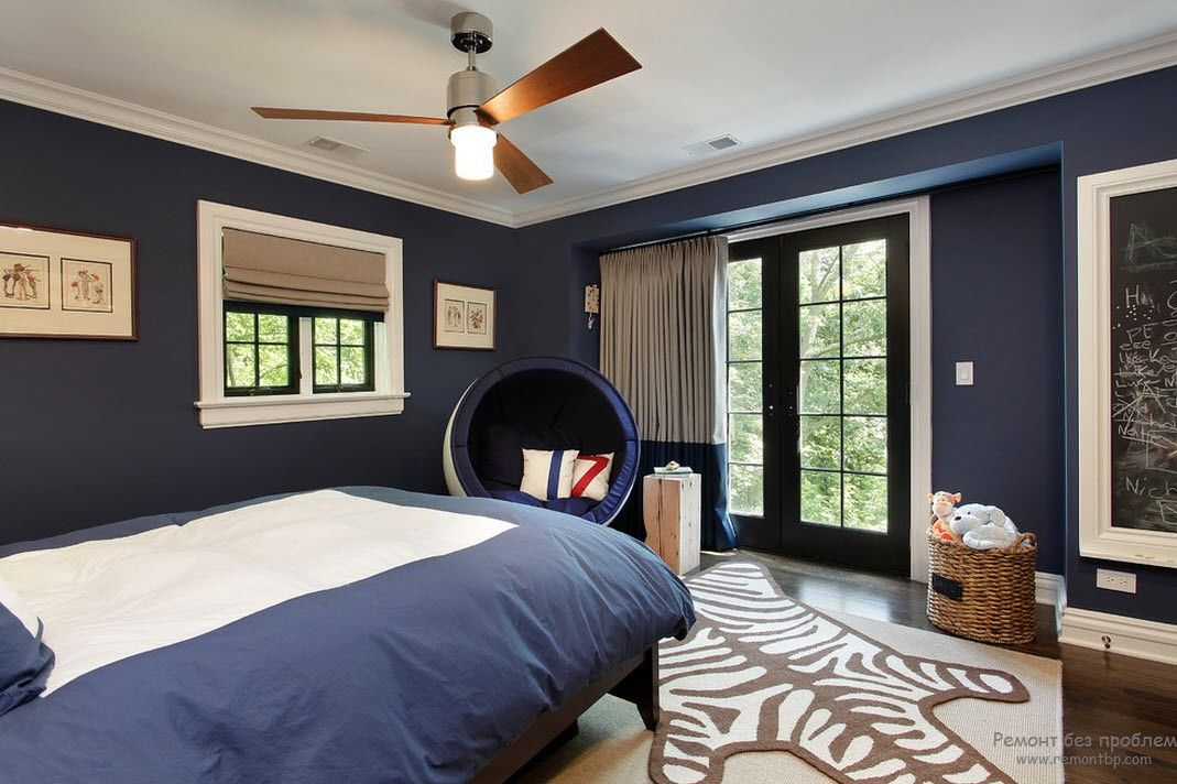 Blue in calming Casual bedroom of the private house
