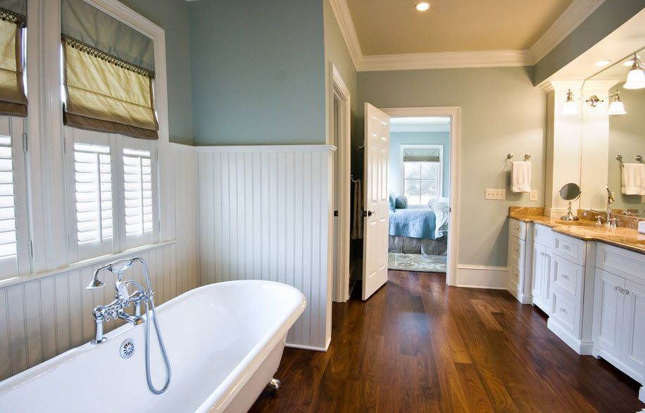 DIY Bathroom Remodel Ideas. Detailed Step by Step Instruction. Planked with plastic bottom level and the Classic styled bath and plumbing