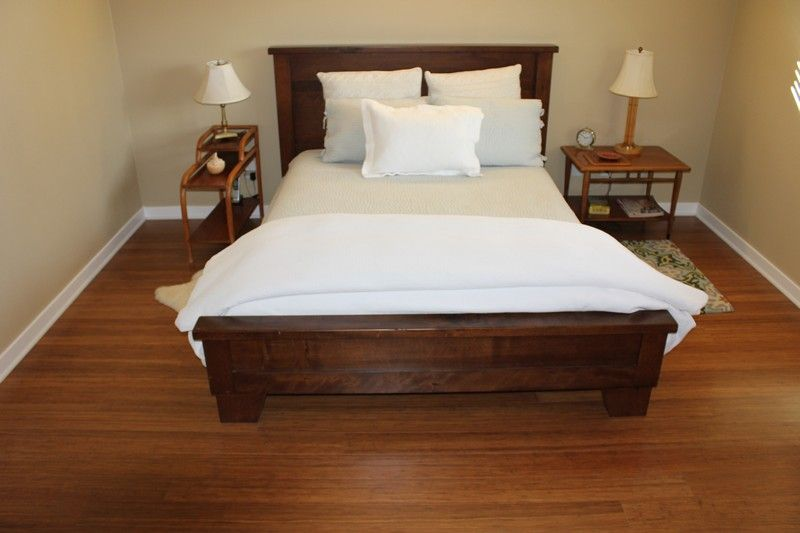 Natural raw materials are very popular in the bedroom