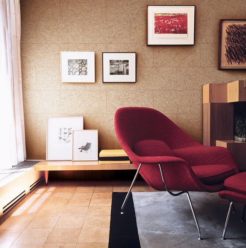 Cork Wallpaper Interior Finishing Advice & Photos. Crimson leisure armchair in the light brown interior