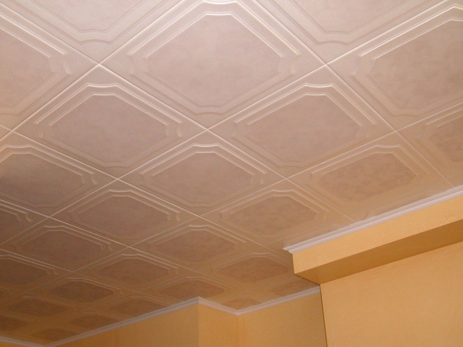 Expanded Polystyrene Tiles (Styrofoam tiles) Ceiling FInishing. Real photo example