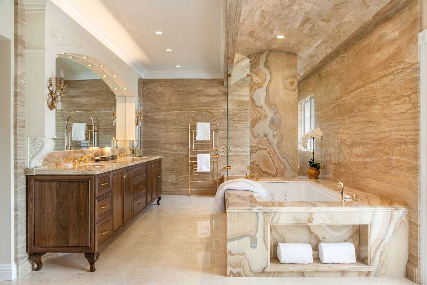 Master Bathroom Design Ideas with Real Interior Photos. Unique marble streaks pattern in the glossy decorated room