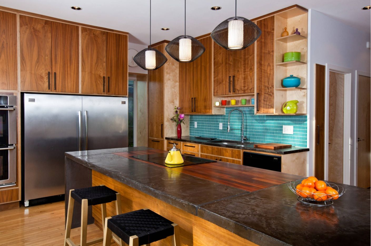 DIY Pouring Concrete Countertops. Interior Usage, Photos, Ideas. Chocolate color for naturally decorated klitchen