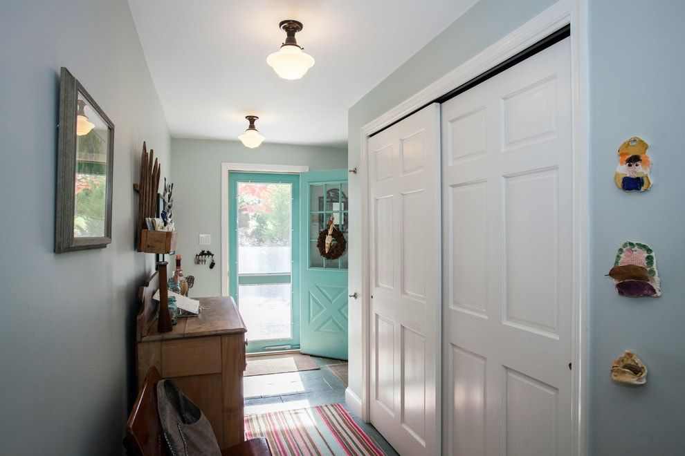 Modern Closet Types & Variants for Hallway Interior with Photos. Mere Classic design with sliding doors