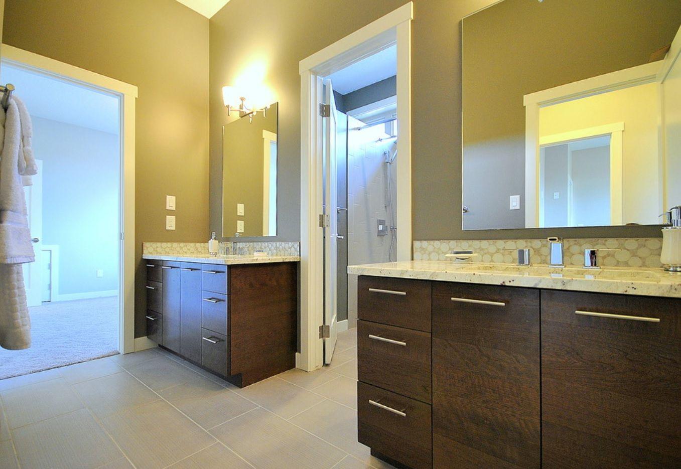 Jack and Jill Bathroom Interior Design Ideas - Small Design Ideas