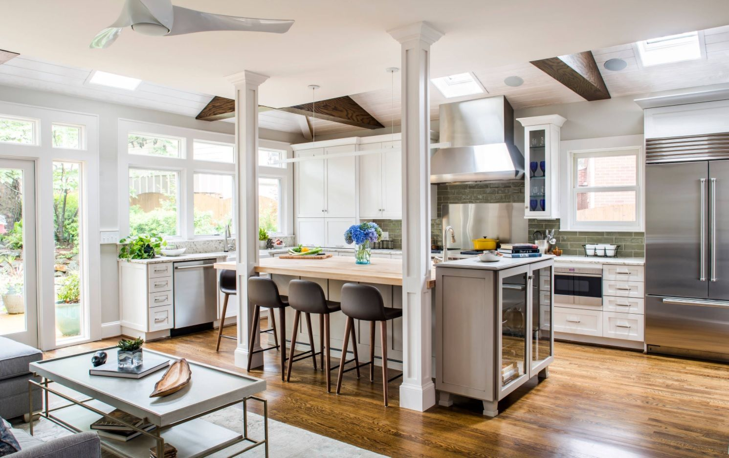 Industrial theme for the large open kitchen design in studio apartment